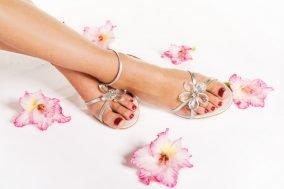 negovana stopala u sandalama