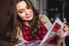 devojka cita magazin