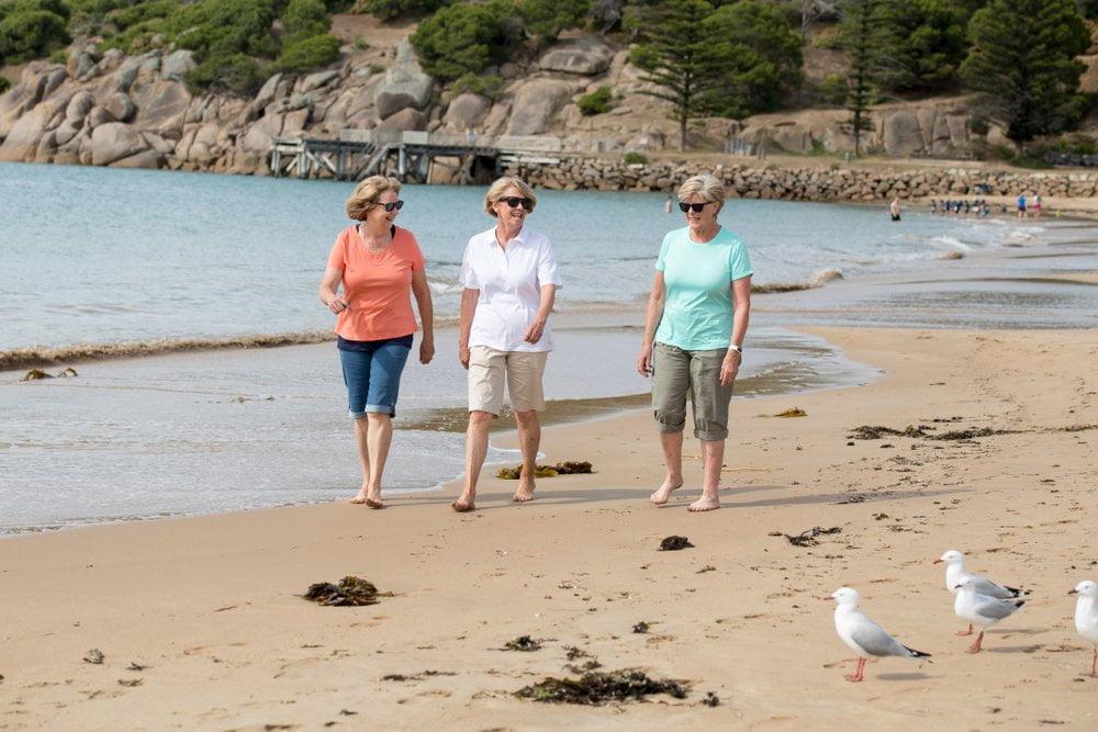 zene na obali - setaju