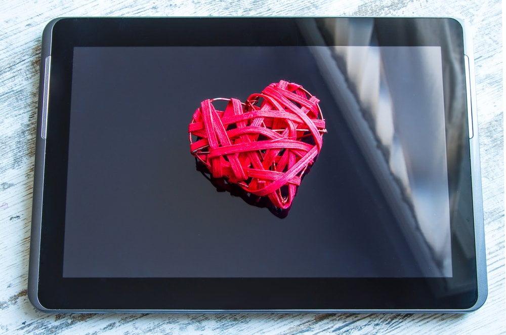srce na tabletu