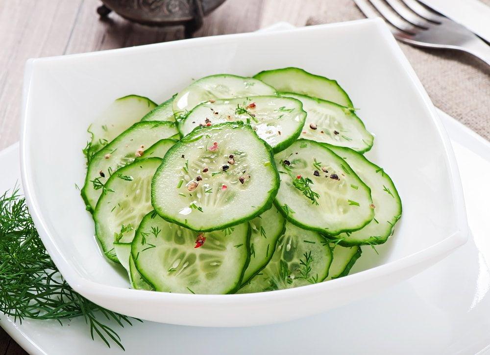 salata sa krastavcem