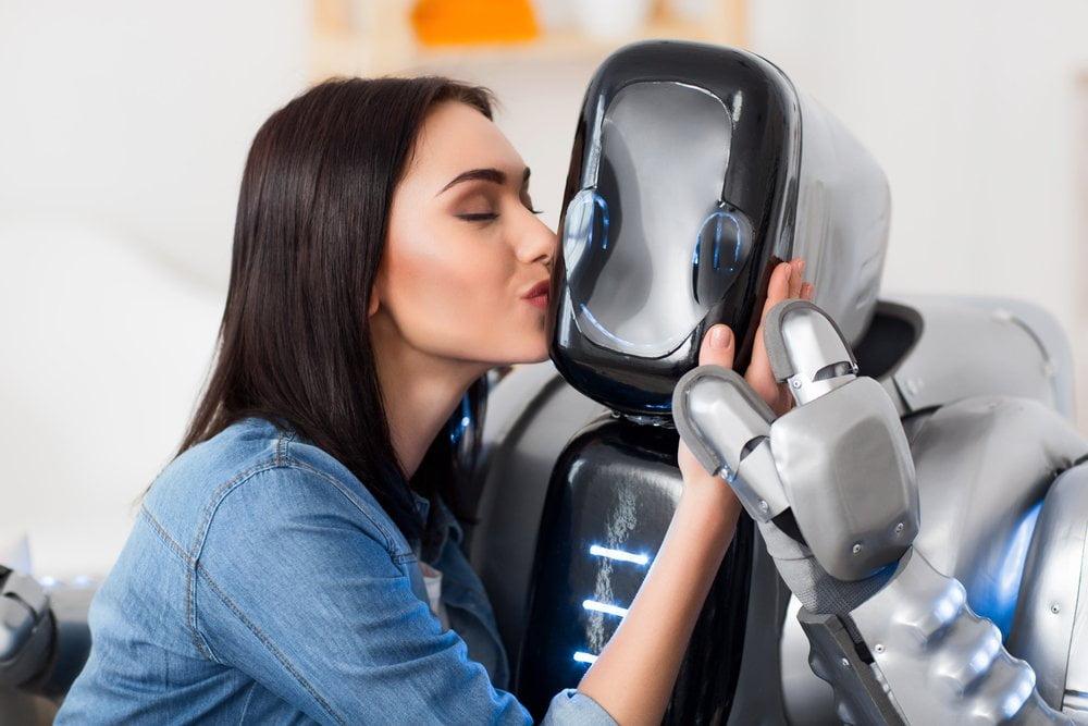 zena ljubi robota